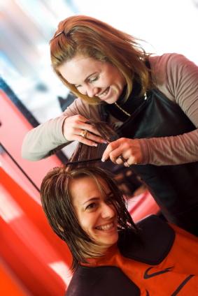 Torbalı uygulamalı saç yapımı ve bakımı kursu izmir